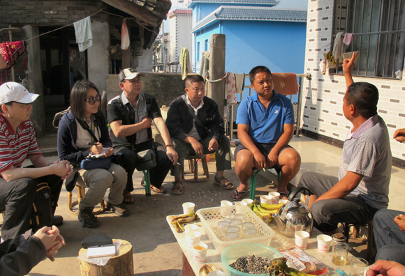 Discussion on conflict human - elephant with the inhabitants of Mojiang, one of the villages affected