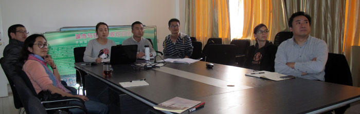 Working with Master students. From left to right: Pr Li Li, Dr Wu Gongshen, Li WenWen, Dai YunChuan, (?), Dr Céline Clauzel, Pr. Zhang Li