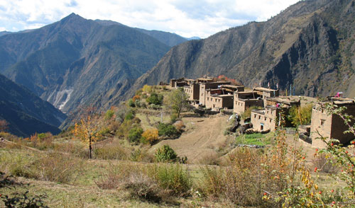 Isolated Wazi hamlet at 3300 m of altitude.